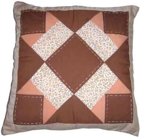 tutos et mod les de patchwork gratuits pour housse de coussin. Black Bedroom Furniture Sets. Home Design Ideas